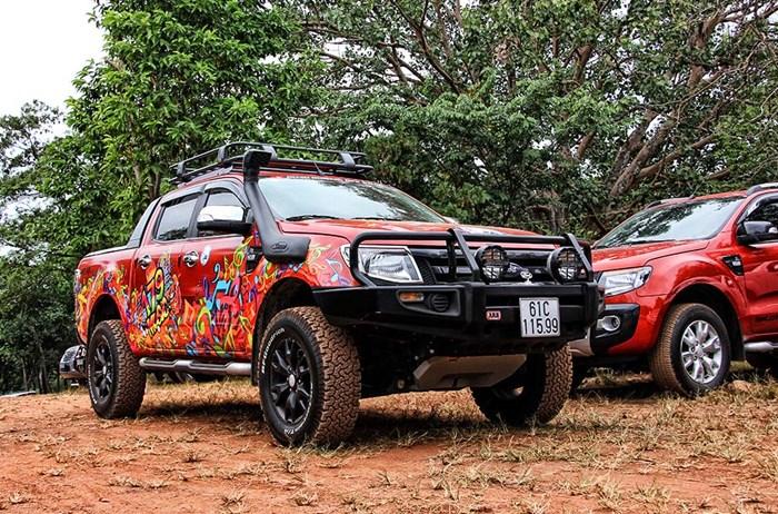 Xe bán tải Ford Ranger chinh phục offroad