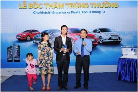 Ford Việt Nam công bố 10 khách hàng sở hữu 10 Iphone 6 đầu tiên